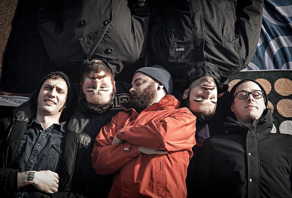 I Chambers è un gruppo post hardcore toscano edito dall'etichetta To Lose la Track