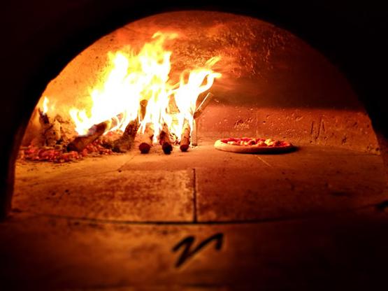 pizza e vino da simbiosi