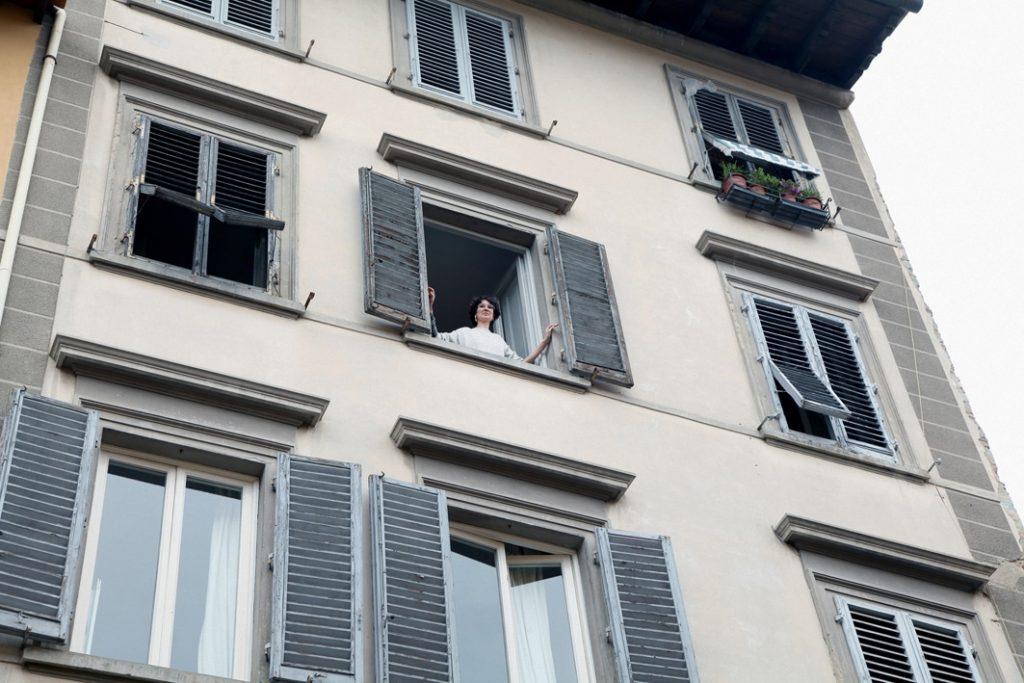 amici alla finestra