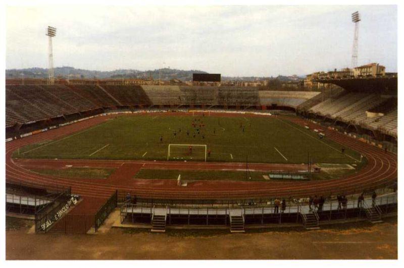 Stadio Comunale di Firenze nel 1987, prima dei lavori per Italia 90.