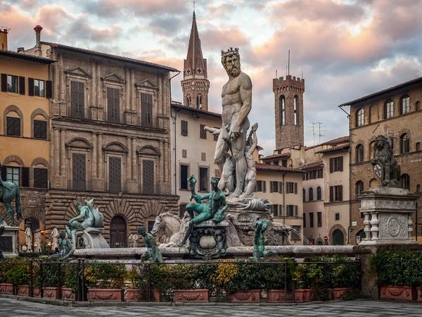 La statua del Nettuno in Piazza della Signoria a Firenze.