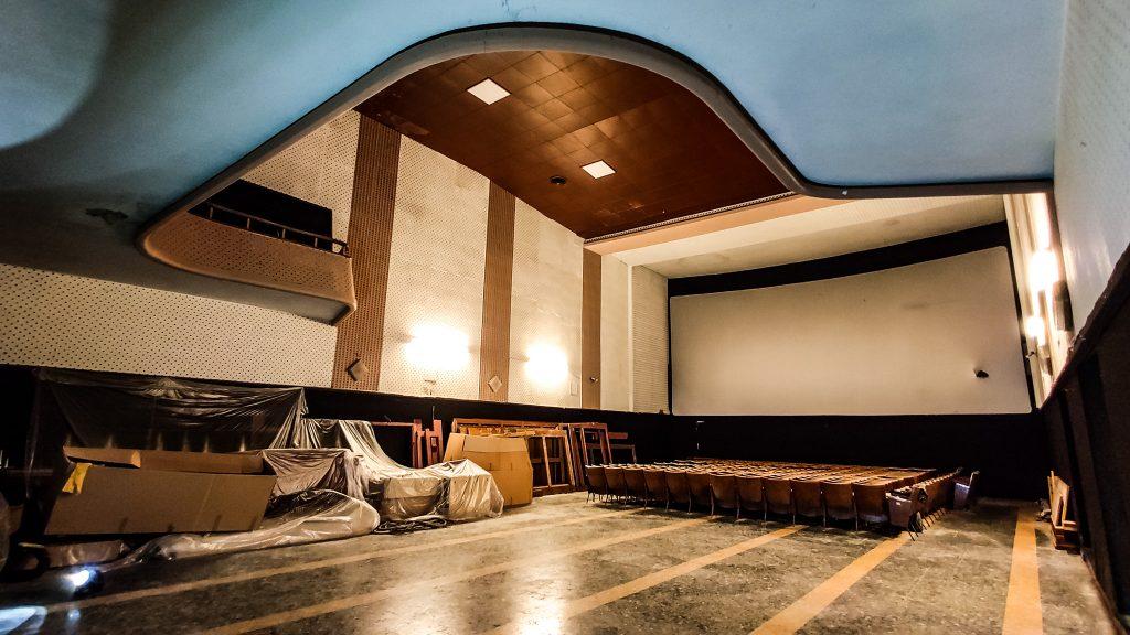 Una foto del Cinema-Teatro Bruschi oggi.