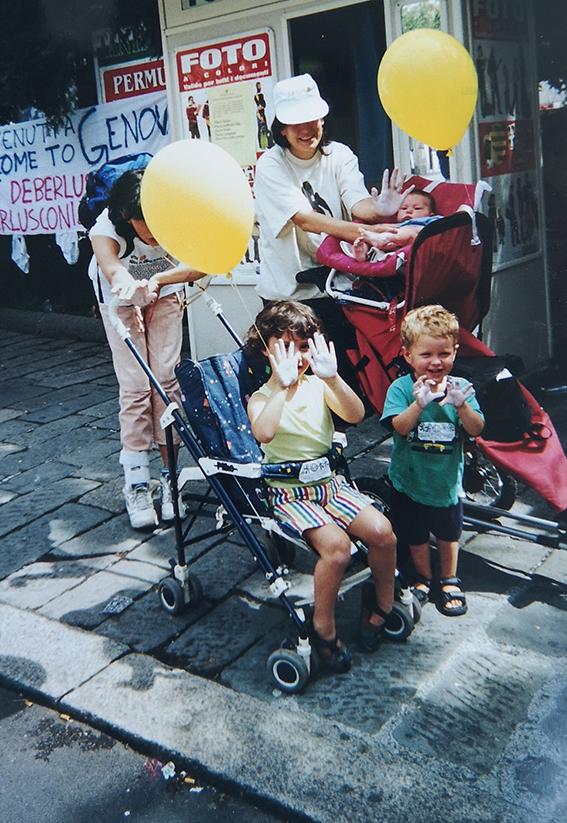 mostra fotografica sul G8 2001 del Forum Sociale Ponente Genovese